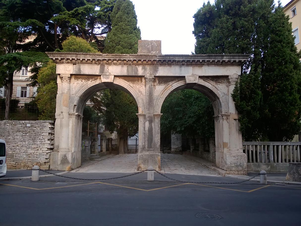 La porte double istria culture for Laporte louisiana
